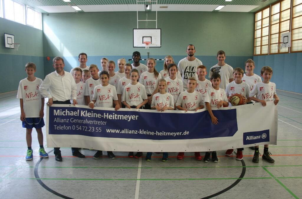 Gruppenfoto vom Bastetballcamp