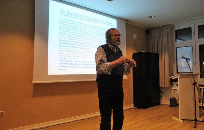 Herr Schiffer bei einem Vortrag
